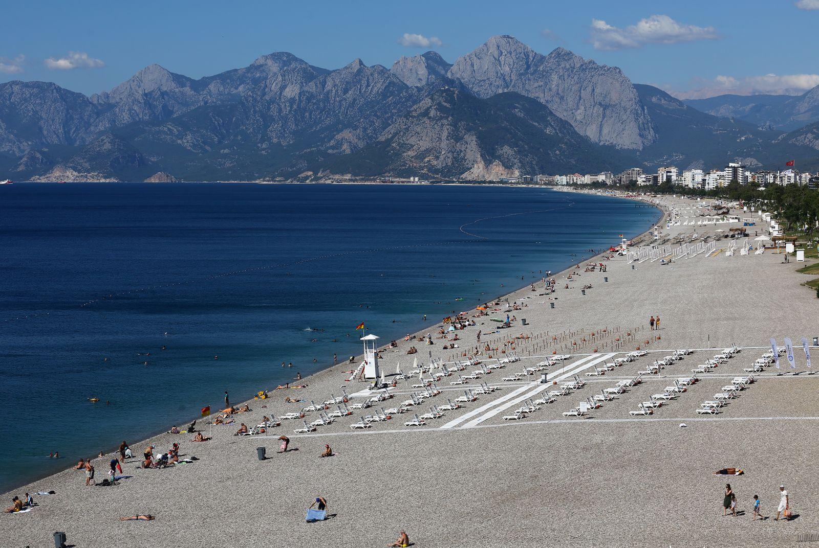 General view of Konyaalti beach in Antalya