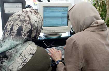 Internet-Café in Teheran: Fünf Millionen Iraner nutzen das Netz