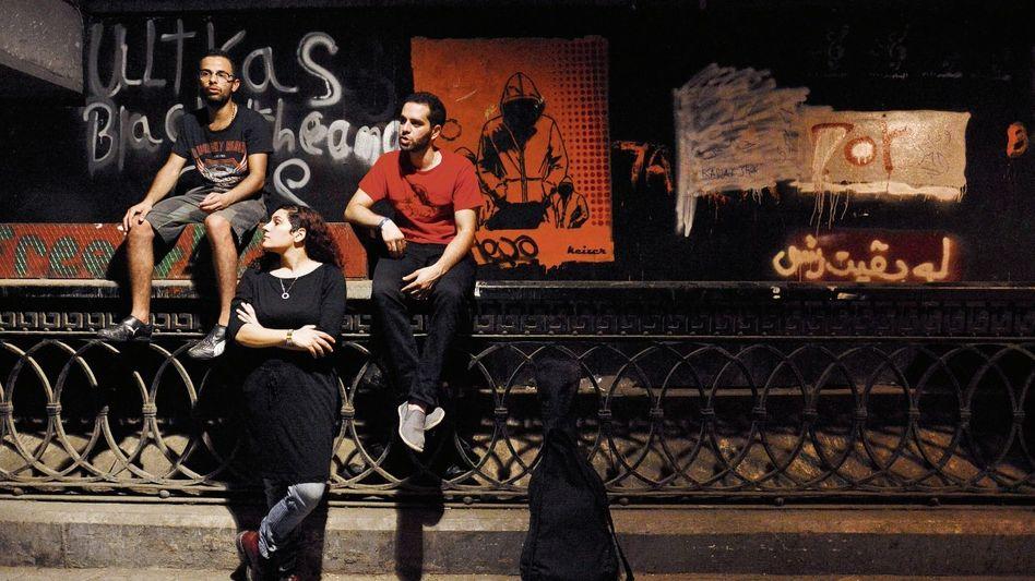 Sängerin Amr mit Band Massive Scar Era Harte Sounds, tiefe Gedanken