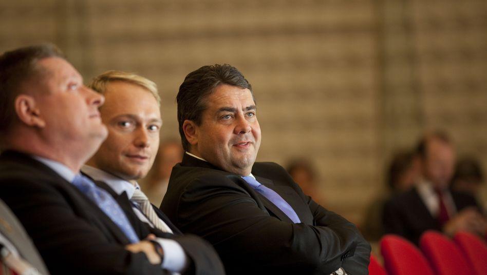 CDU-Generalsekretär Gröhe, FDP-Kollege Lindner, SPD-Chef Gabriel: Einiges in Bewegung