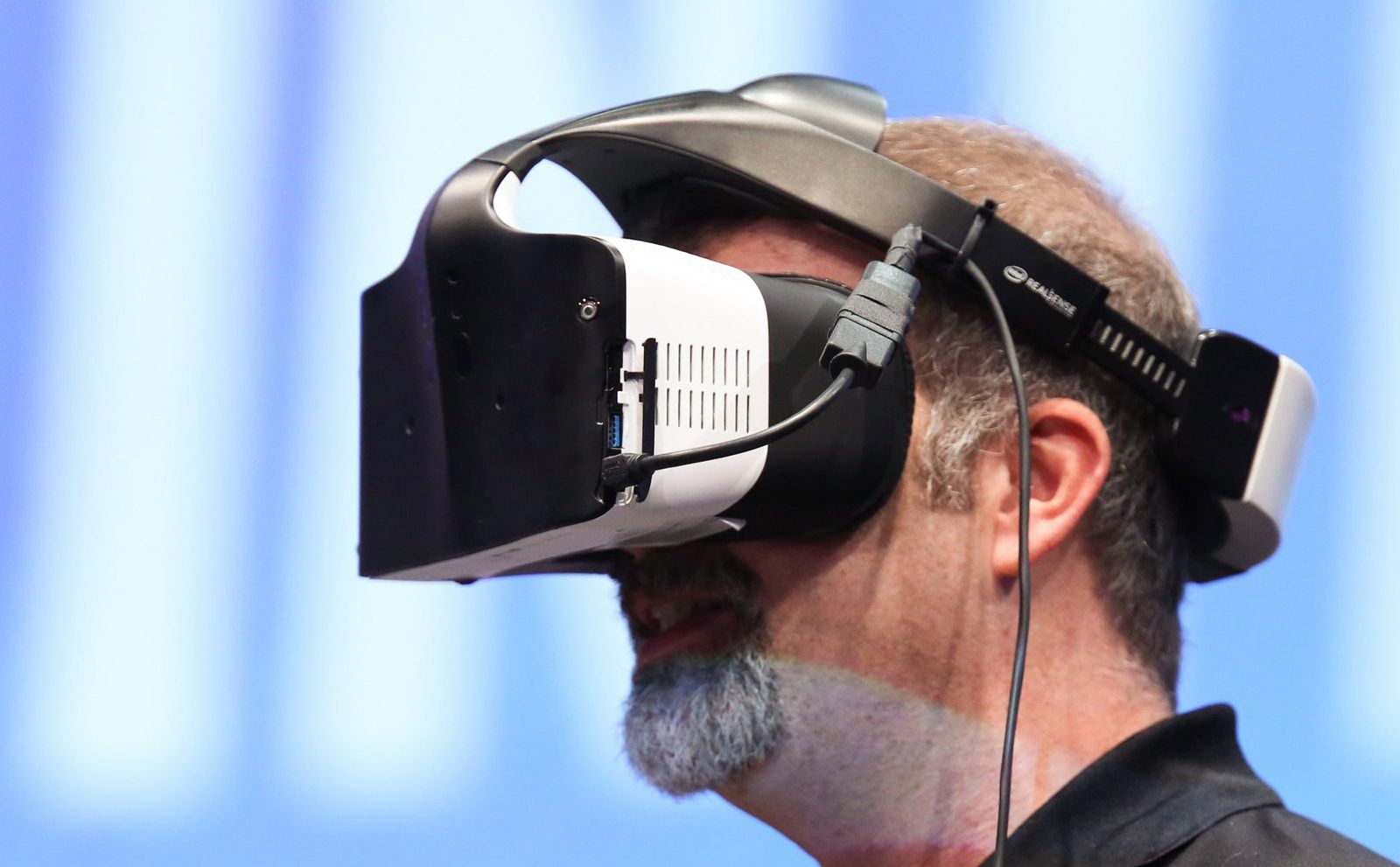 Intel presents virtual reality headset Project Alloy