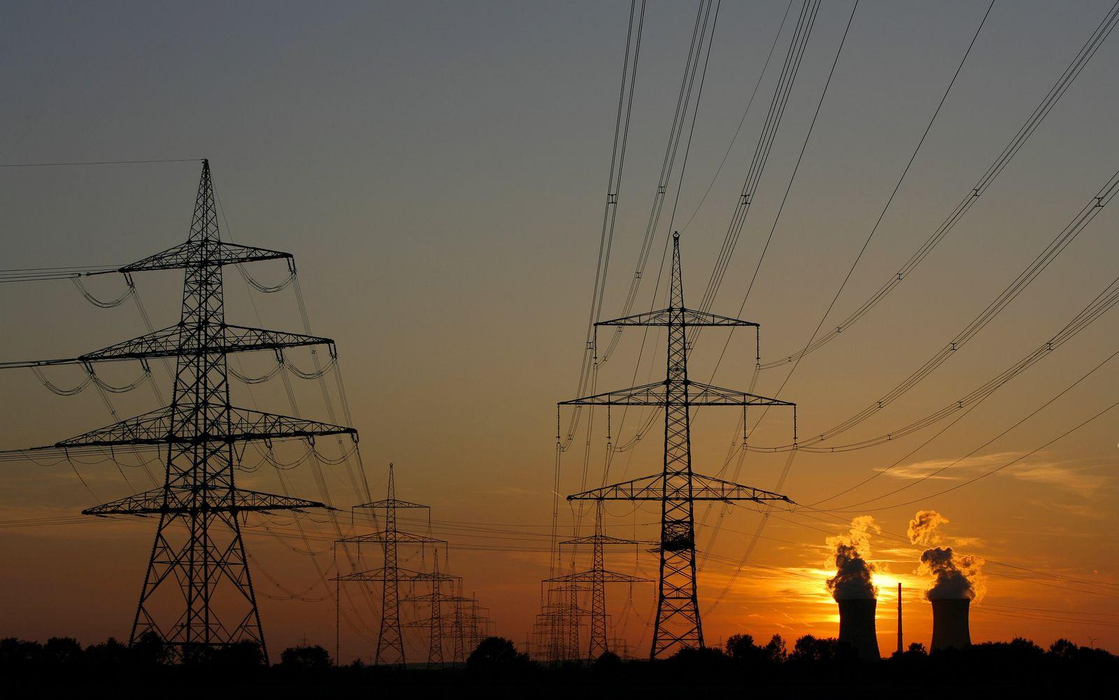 Deutsches Stromnetz: Weiter als zum Mond