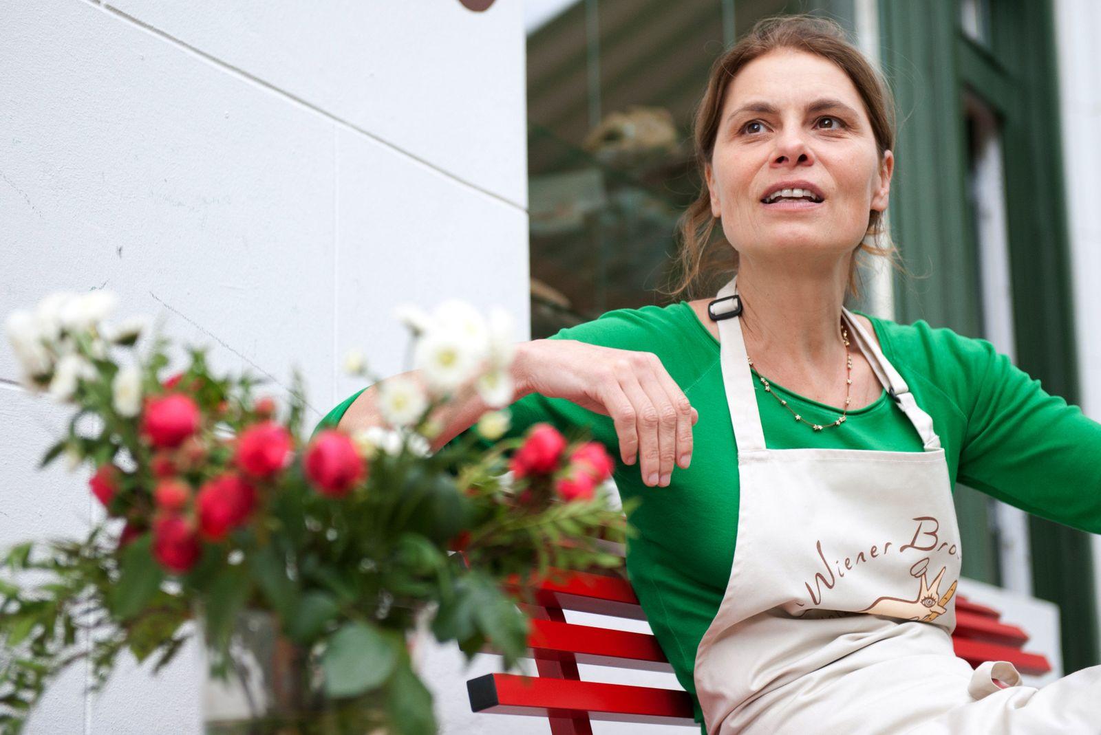 Sarah Wiener eröffnet Biobäckerei in Berlin