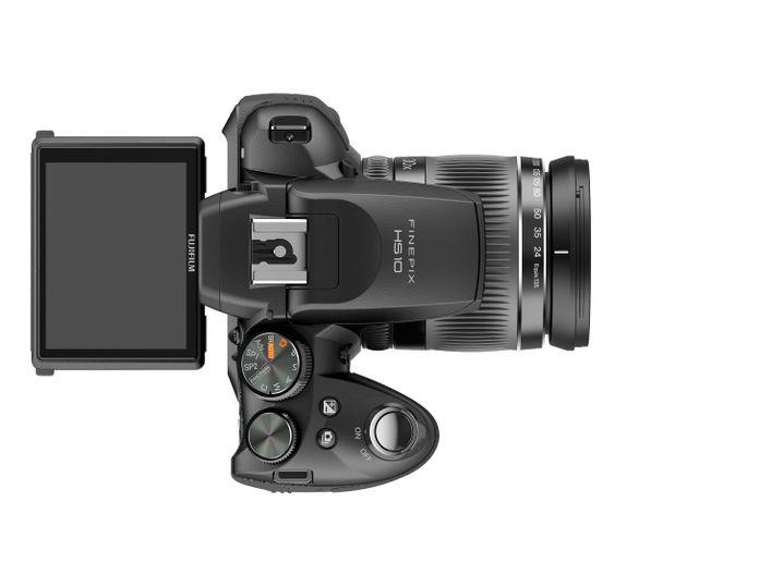 Fujifilm HS10: Die Kamera mit 30-fach Zoom ist 400 Gramm schwer