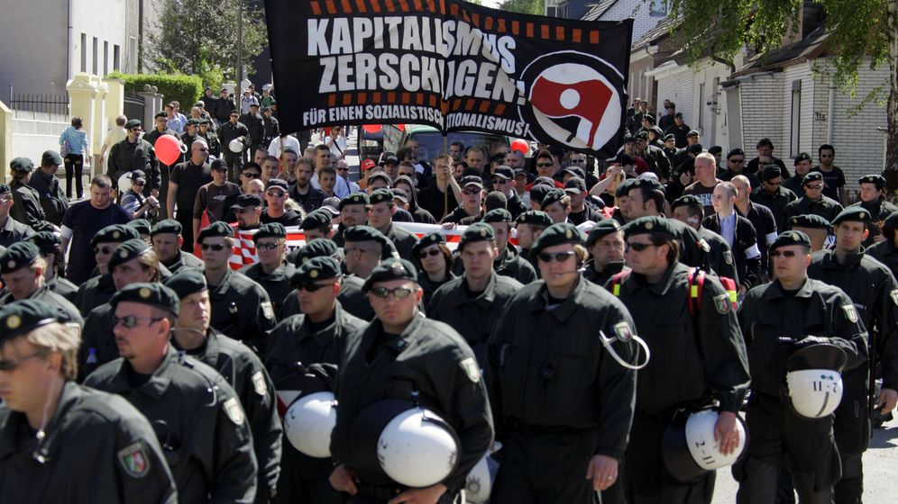 Neonazis in Dortmund: Schläger in Kapuzenpullis