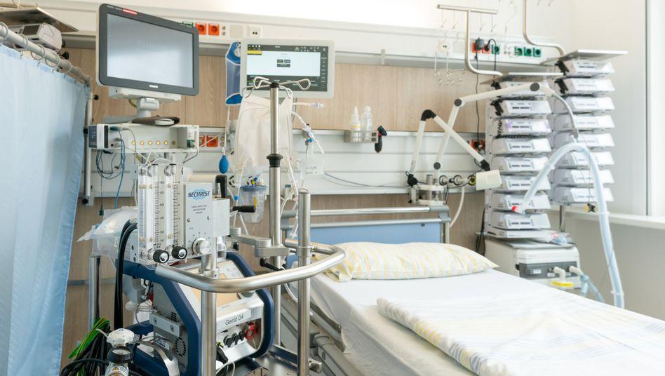 Freies Bett auf einer Intensivstation der Uniklinik Dresden