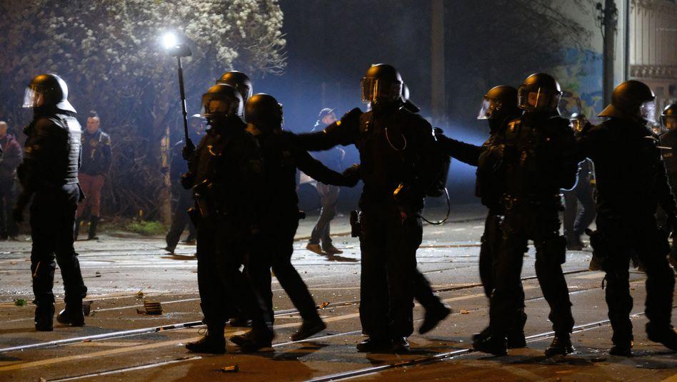 Polizeieinsatz in der Neujahrsnacht im Leipziger Süden: Was geschah in Connewitz?