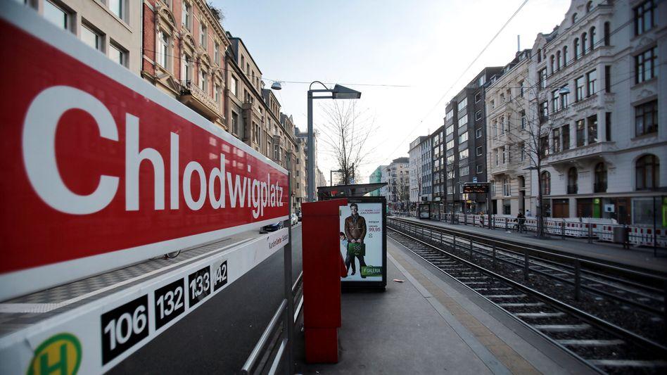 Straßenbahnhaltestelle am Kölner Chlodwigplatz (Archivbild)