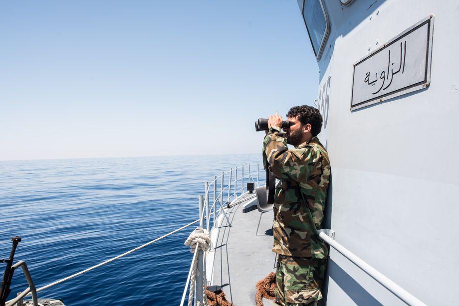 Gutes Geschäft: Libyscher Küstenwächter auf der Suche nach Migranten