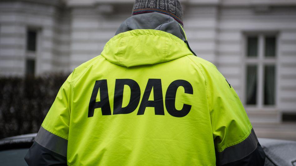 ADAC-Mitarbeiter (Symbolbild): Keine Woche ohne neue Enthüllungen