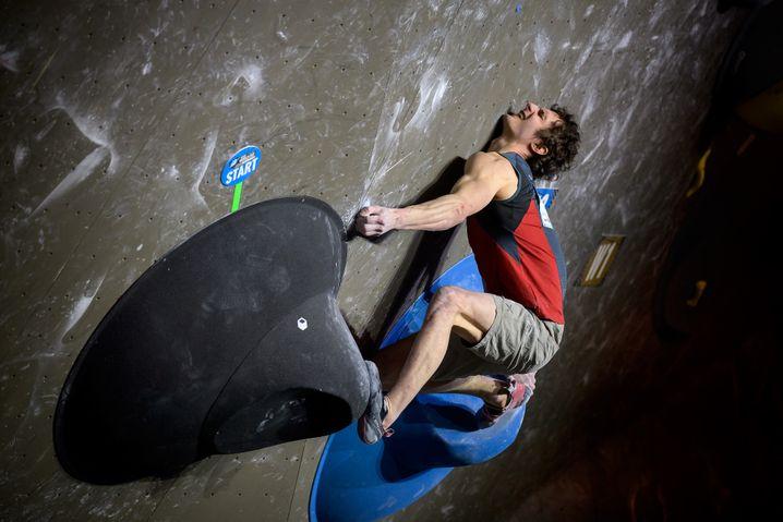 Adam Ondra bouldert sich zu Gold beim Sport Climbing IFSC World Cup (2021)