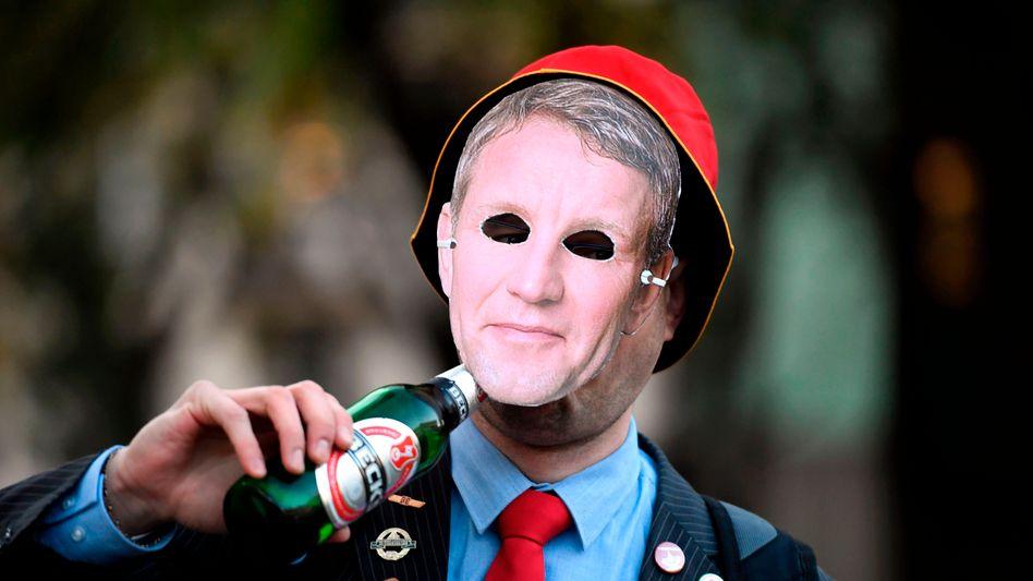 Einfach mal als Björn Höcke zur Halloween-Party