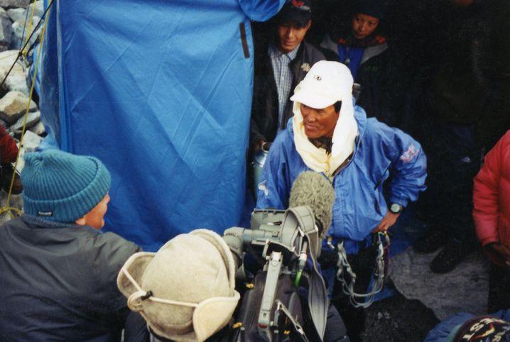 Lhakpa Gelu Sherpa kurz vor seinem Aufstieg im Jahr 2003
