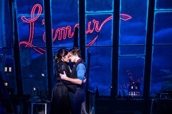 """L'amour in Paris: Karen Olivo und Aaron Tveit im Broadway-Musical """"Moulin Rouge!"""""""