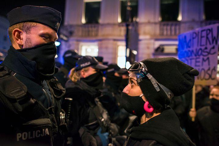 Auch am vergangenen Mittwoch gingen wieder Tausende Polinnen in Warschau auf die Straße