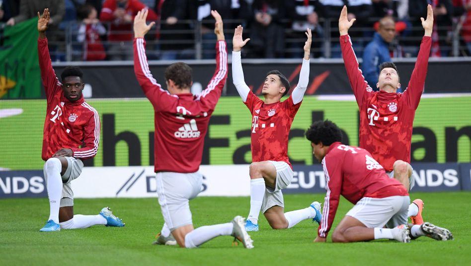 Spieler des FC Bayern bei der Erwärmung: Nur noch offensiv spitze