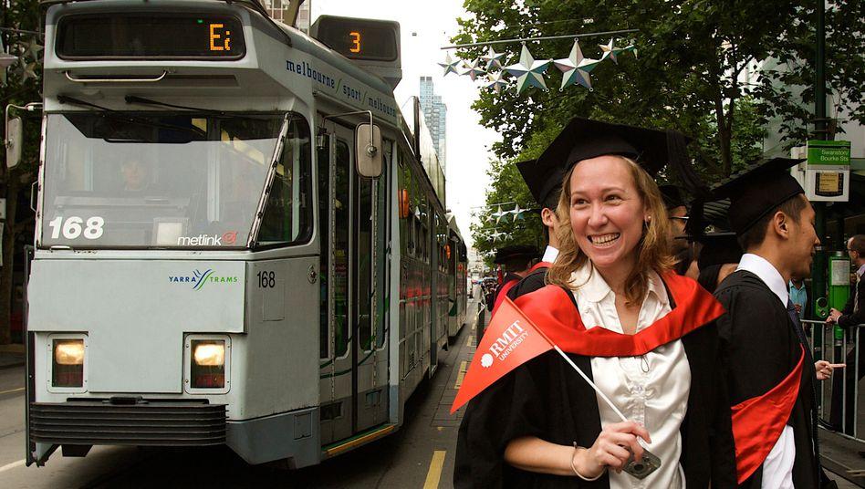 Studenten in Australien (Archiv): Ausländer bezahlen hier besonders viel für's Studium