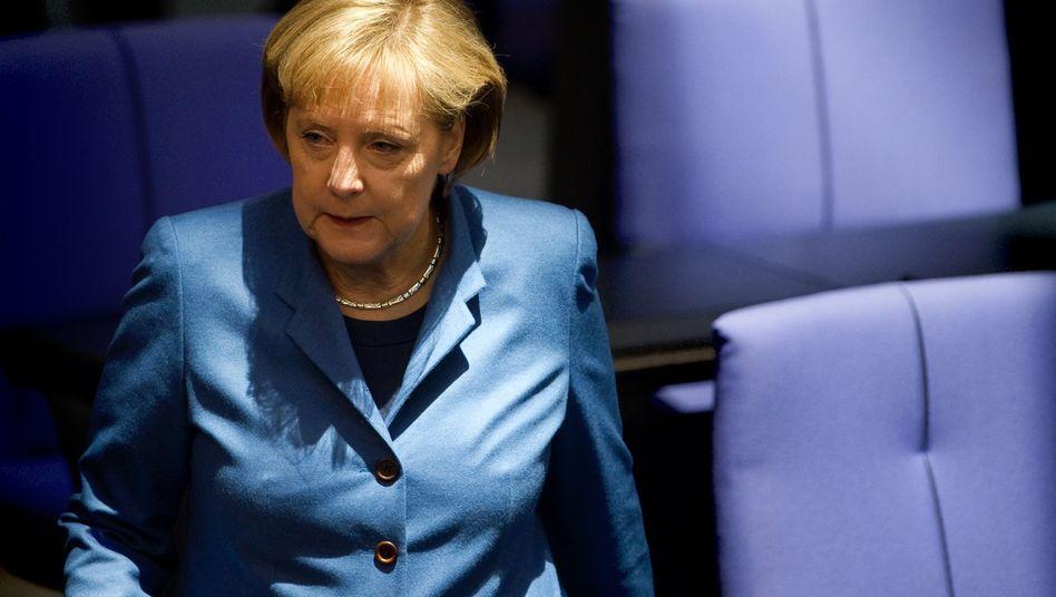Angela Merkel: Für die Kanzlerin und ihre Koalition gibt es in Umfragen schlechte Noten