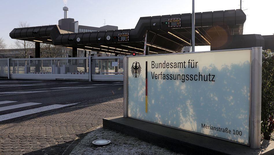 Bundesamt für Verfassungsschutz in Köln.