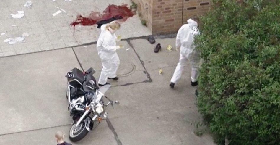 Spurensicherung am Tatort in Berlin im Juni 2012