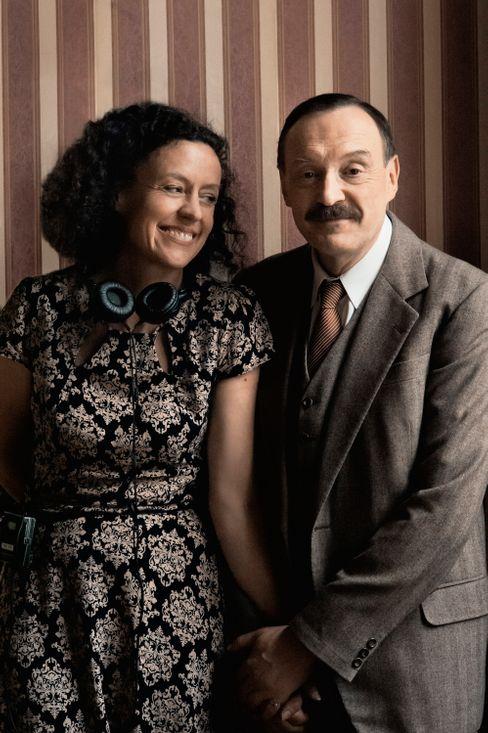 Regisseurin Maria Schrader mit Schauspieler Josef Hader während der Dreharbeiten zu »Von der Morgenröte«