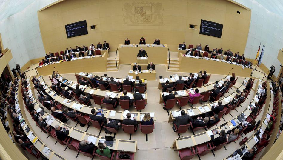 Bayerischer Landtag: Neue Details zur Verwandtenaffäre