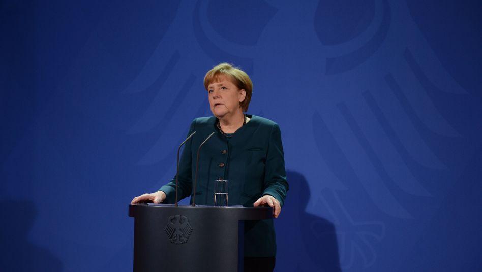 Kanzlerin Merkel (Archivbild): Deutlicher Auftritt vor Unionsfraktion