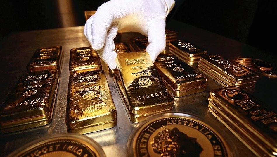 Goldbarren und -münzen: Millionen für die AfD