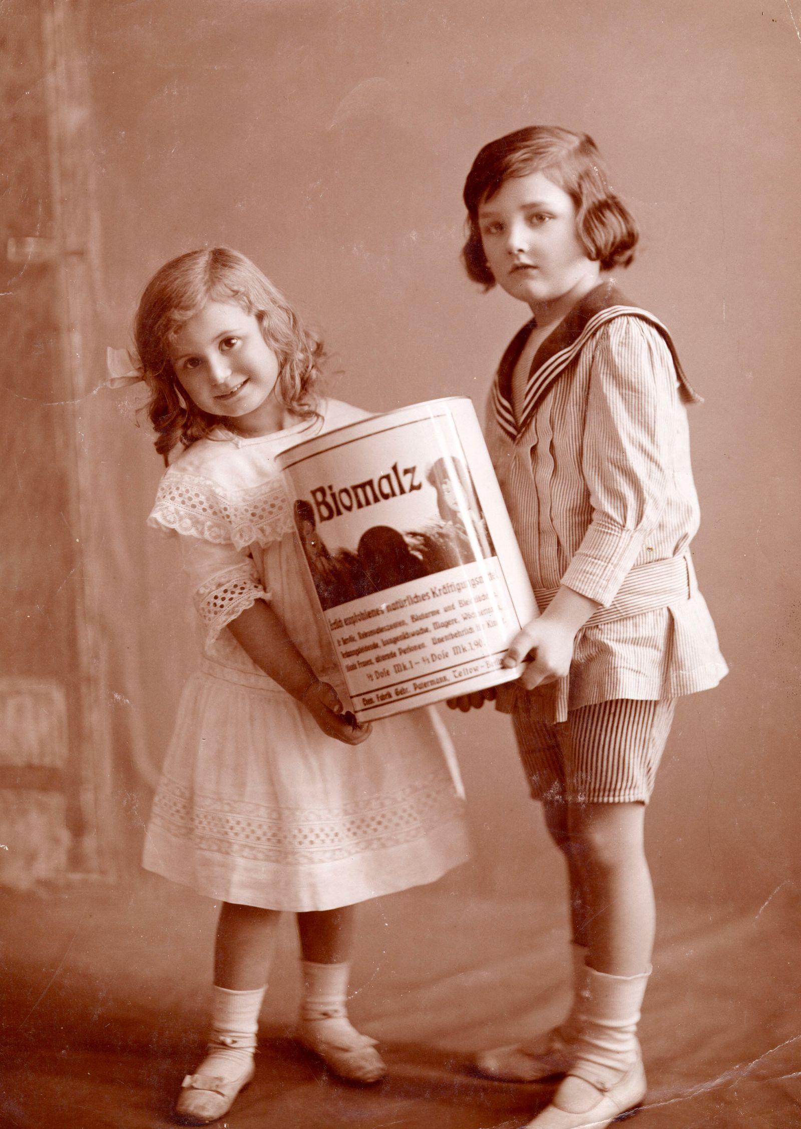Wate On Werbung - Biomalz-Werbung / Foto um 1915