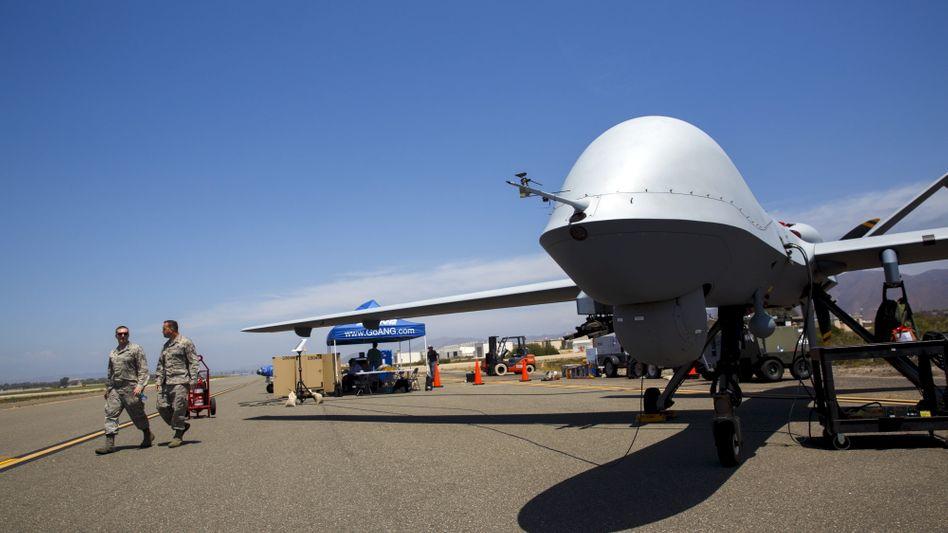 """US-Drohne """"Reaper"""" auf einem Flugfeld in Kalifornien"""