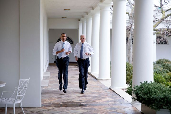Staatschef Obama mit Vizepräsident Biden 2014: Trump versprach Millionen Amerikanern, die wegen eines Schwarzen Mannes im Weißen Haus verschreckt waren, ein Elixier