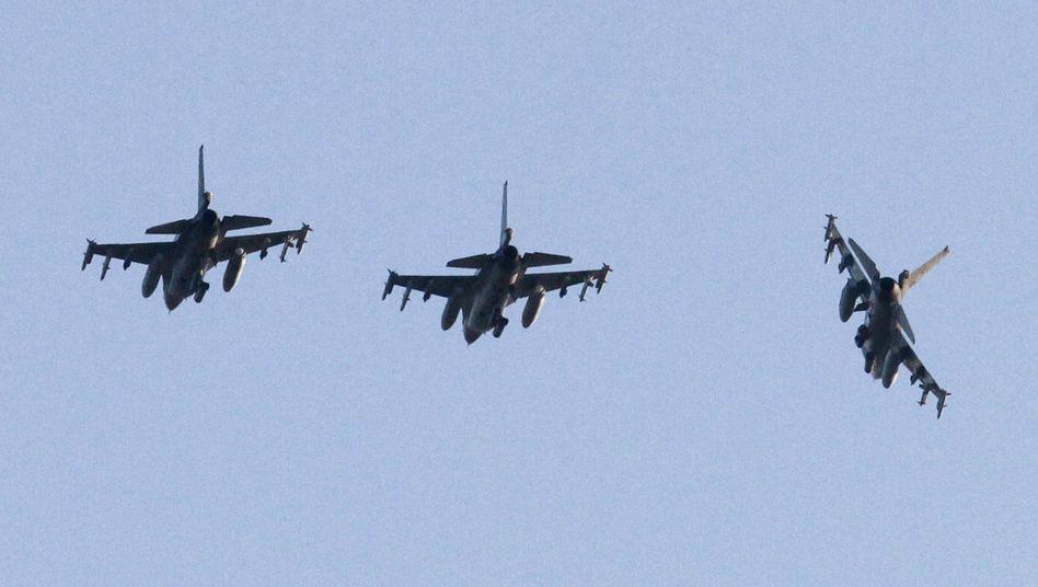 Kampfjets für den Libyen-Einsatz: Breite Front gegen Gaddafi