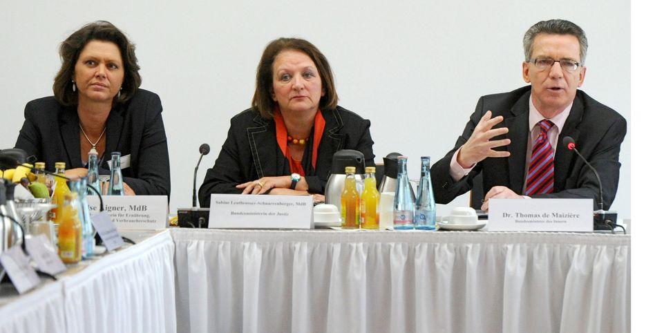 Minister Aigner, Leutheusser-Schnarrenberger, de Maizière: Regelung der Geodatendienste