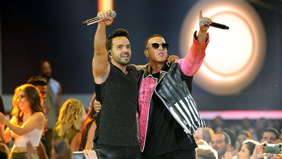Luis Fonsi (l.) und Daddy Yankee