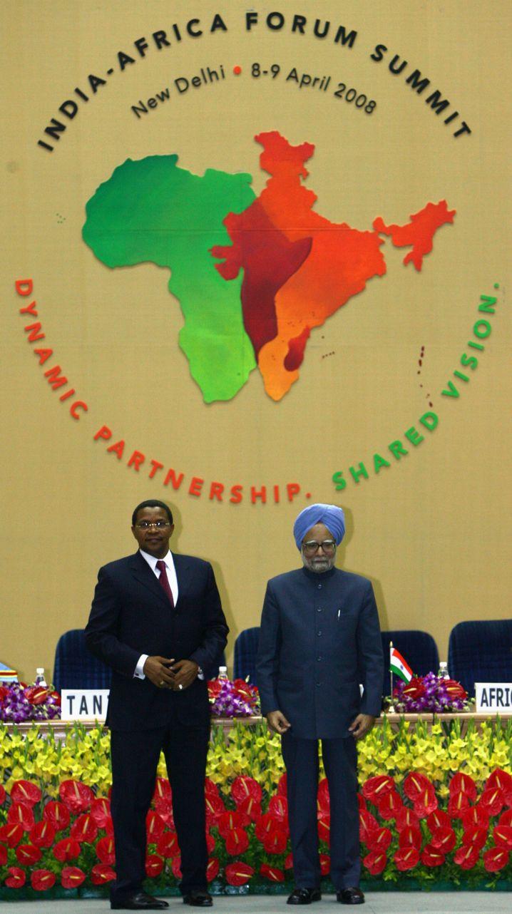 Tansanias Präsident Kikwete und Indiens Premier Singh beim Gipfel 2008
