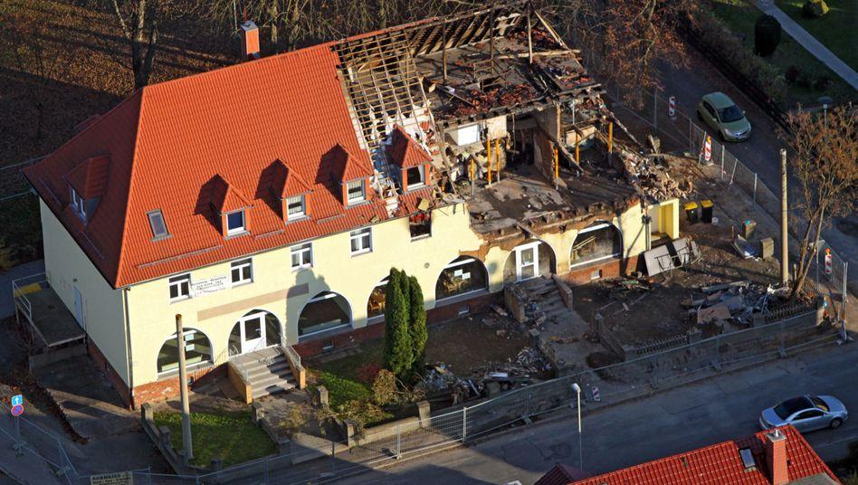 Unterschlupf in Zwickau: Zerstörtes Haus soll bis auf die Grundmauern zurückgebaut werden