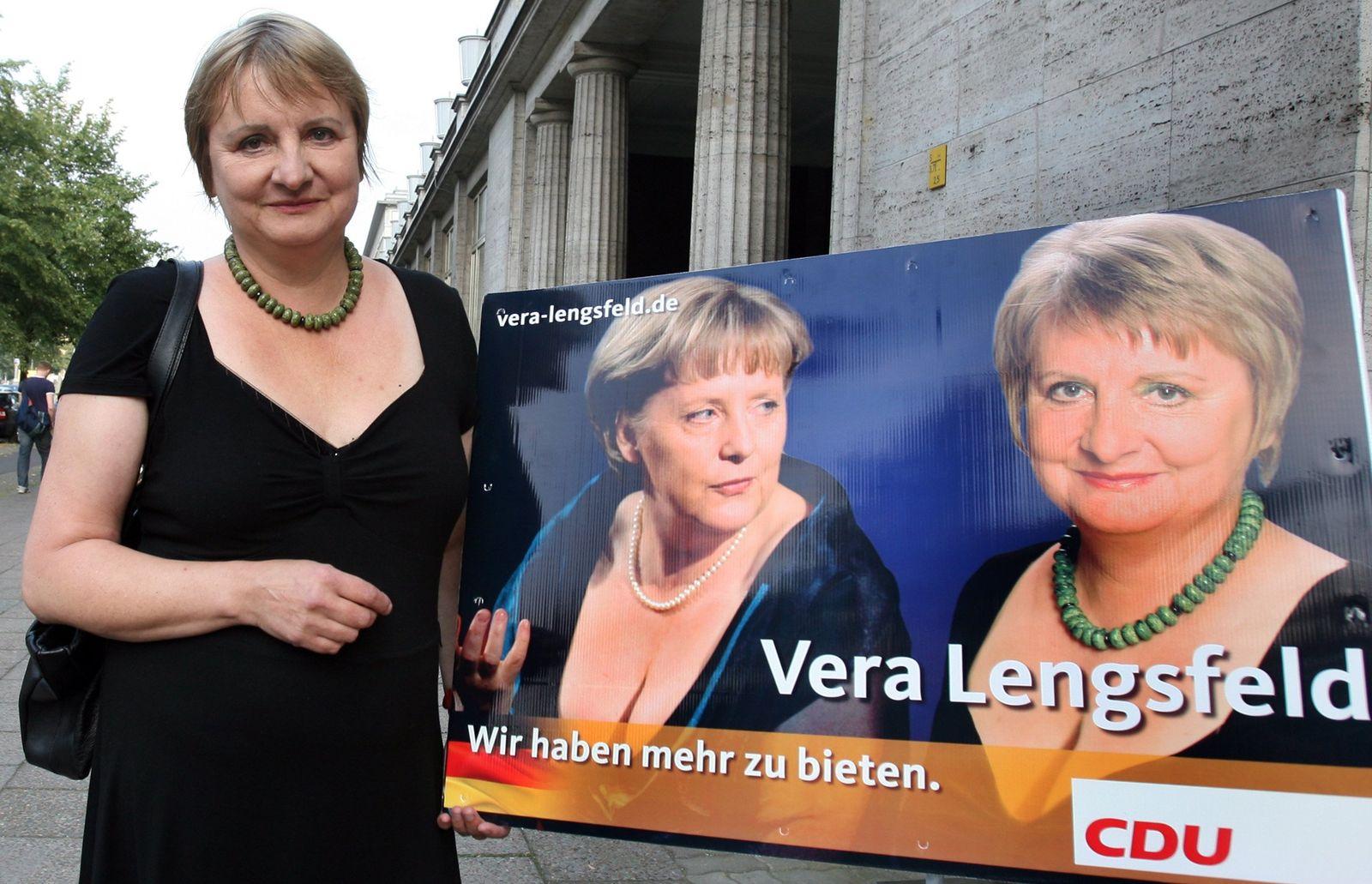 Lengsfeld kopiert Merkel: Dekolleté für die Wahl