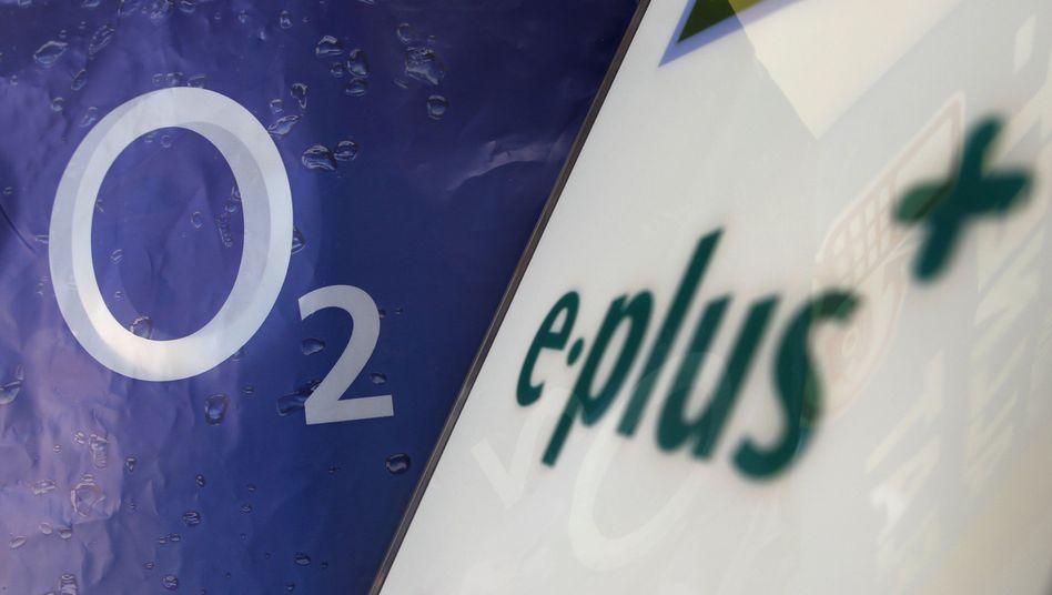 Logos von O2 und E-Plus