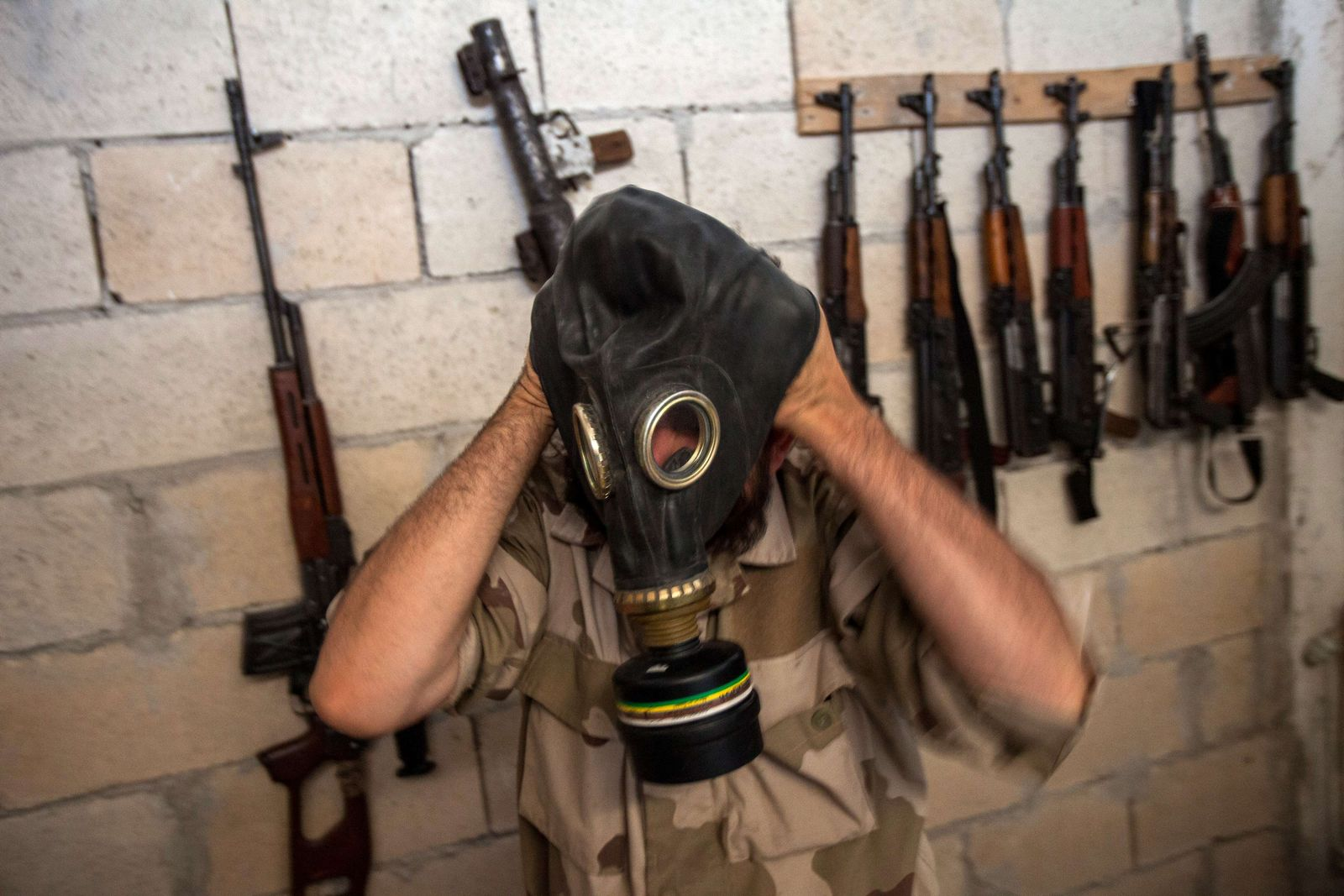 Syrien/ Idlib/ Gasmaske