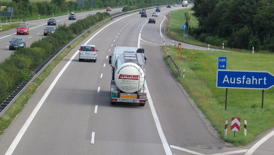 Autobahn: Pkw-Fahrer könnten bald Maut zahlen