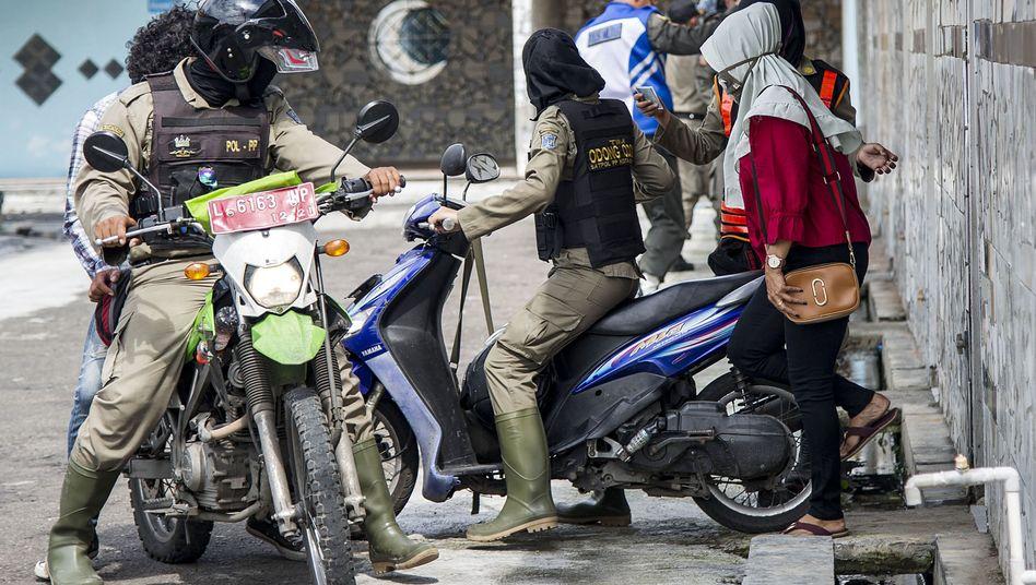 Polizeikontrollen in Indonesien
