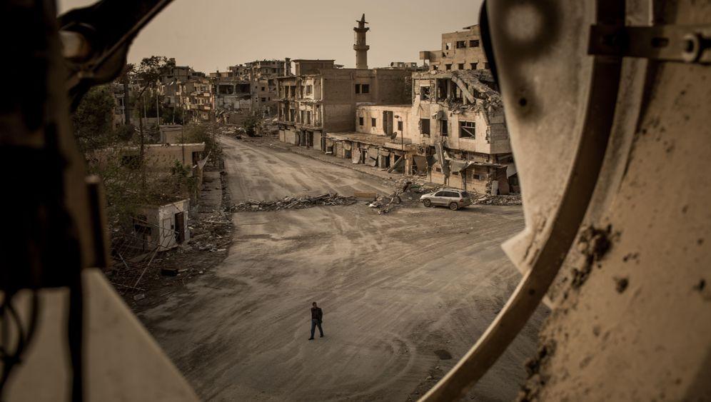 Photo Gallery: Raqqa in Ruins