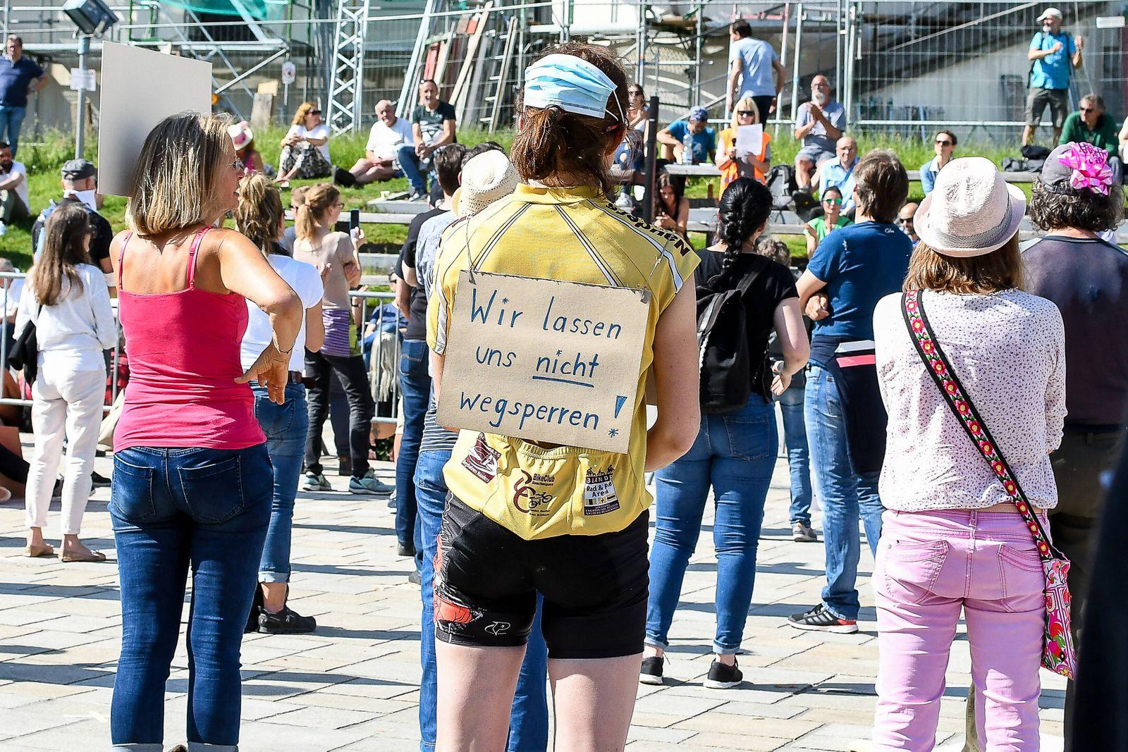 GER, Demo gegen Corona-Regeln in Bayern / 09.05.2020, Hildegardplatz, Kempten, GER, Demo gegen Corona-Regeln in Bayern,