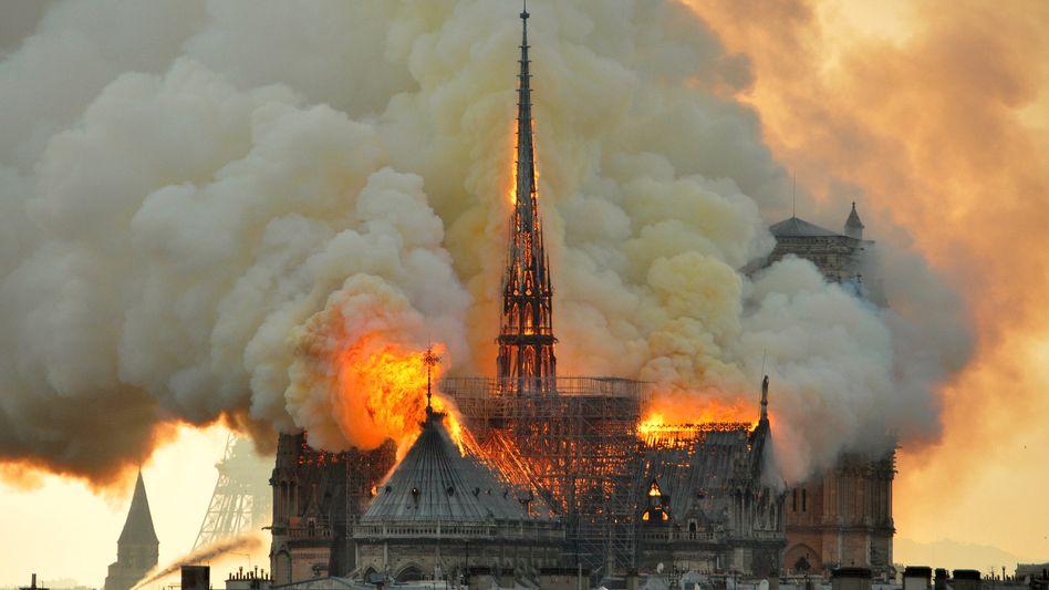 Der Brand von Notre-Dame: Einer dieser Momente, in denen die Welt zusammenschnurrt