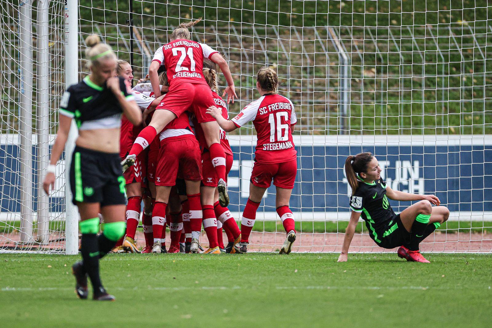 Flyeralarm Frauen-Bundesliga 6.Spieltag - 20/21 - SC Freiburg vs. VfL Wolfsburg - 11-10-2020 Torjubel zum 1:1 durch Has