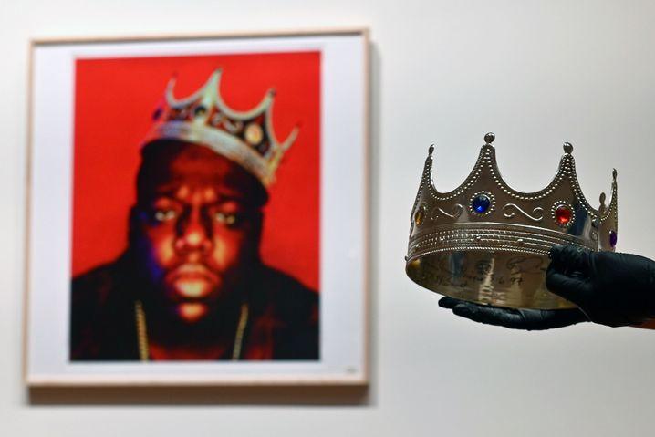 Wenige Tage vor dem Tod von Notorious B.I.G. entstand das Foto mit der Plastikkrone