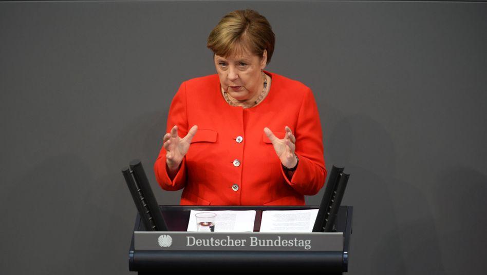 """Angela Merkel bei der Regierungserklärung im Bundestag: """"Unser Europa ist verwundbar"""""""