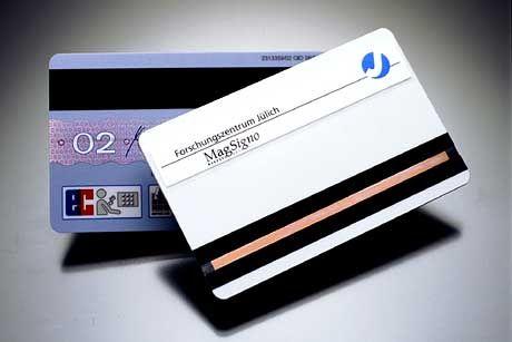 """Kreditkarten: Insbesondere bei jüngeren Konsumenten scheint sich die Haltung """"Kaufe heute, zahle morgen"""" zu verbreiten"""