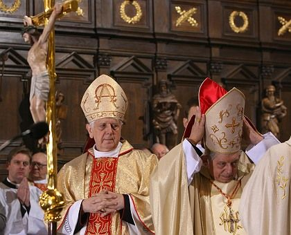 Archbishop Stanislaw Wielgus (l) tripped over his past relationship with Communist Poland's secret police.