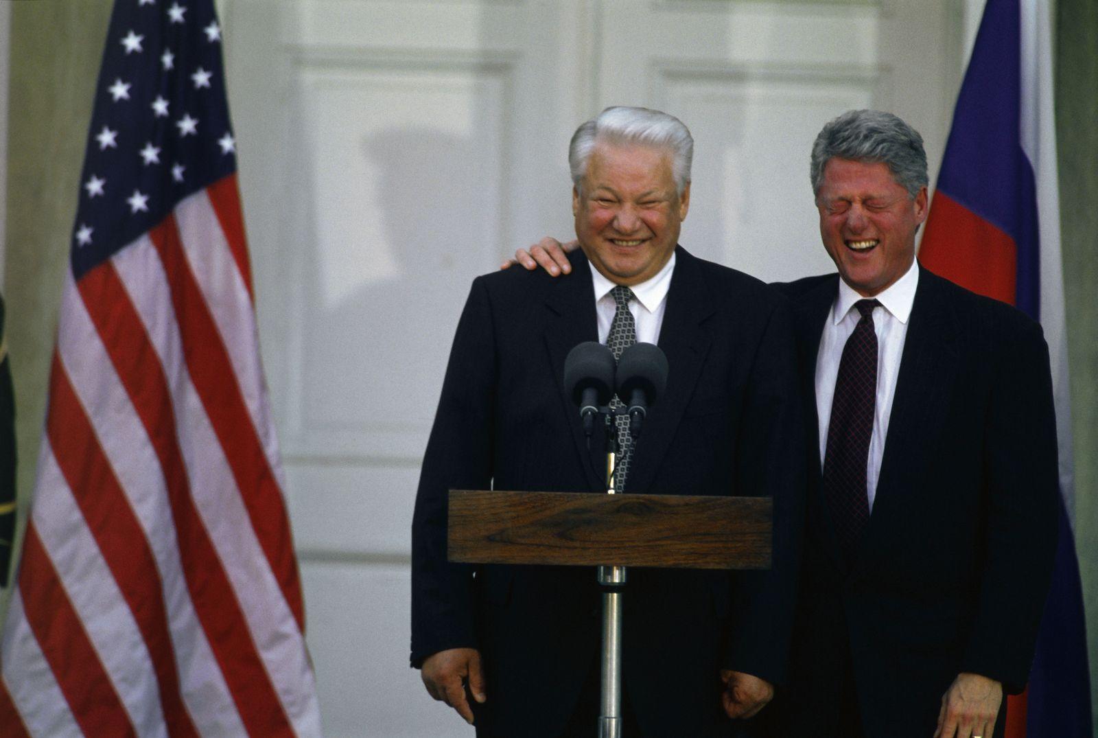 EINMALIGE VERWENDUNG SPIEGEL 37/2018, S.4 Bill Clinton / Boris Jelzin